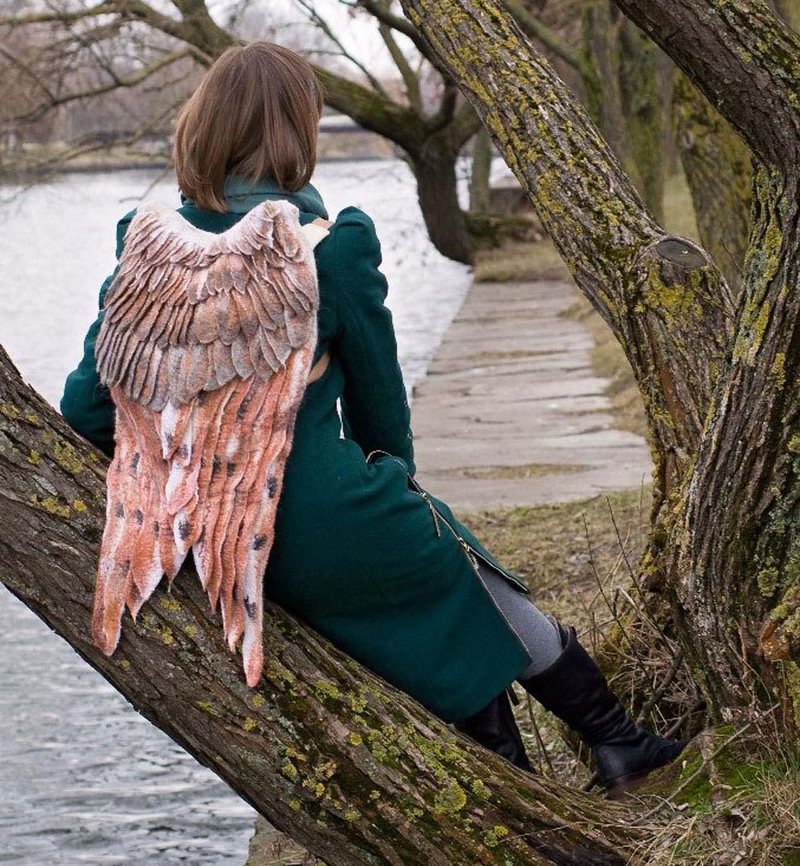 Backpack wings design